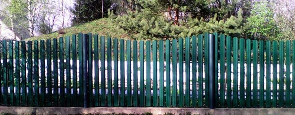 Заборы из евроштакетника в Реутове с услугой монтажа